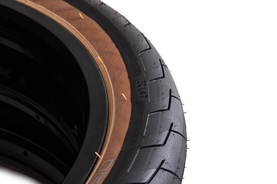 Bild 3 - éclat DECODER Tire black/brown 20''x2.4'' 120 PSI unfoldable