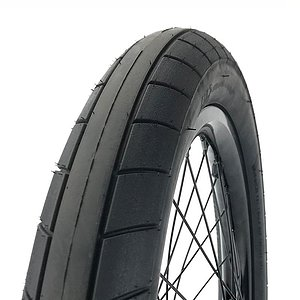 Cult SLICK JUVI Tire black 18''x2.3''